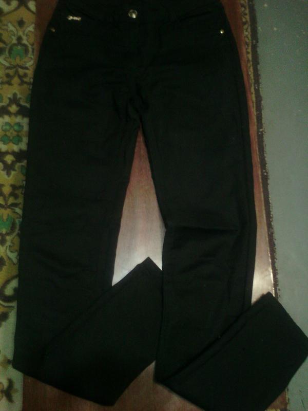 Черные джинсы узкачи на высокую девочку подростка 10 лет, разм...
