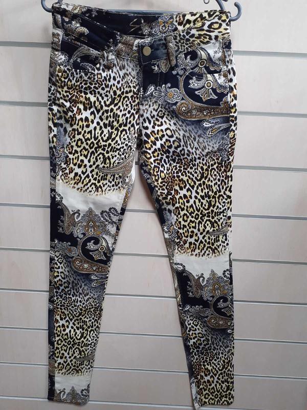 Стильные цветные джинсы, леопард с завитками. новые, сток