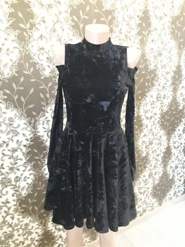 Шикарное платье новое черный бархат