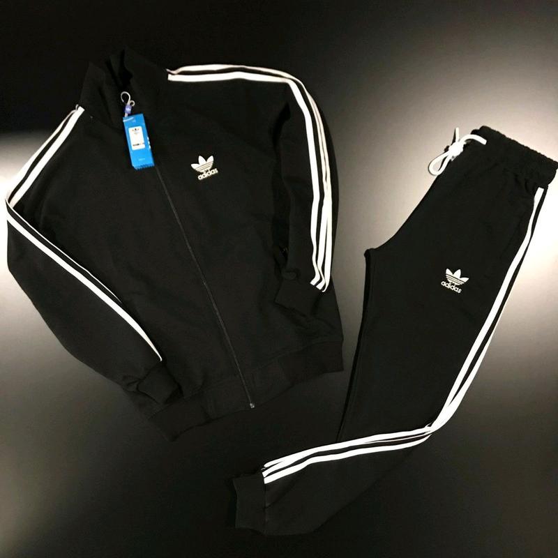 Спортивный костюм Adidas-черный