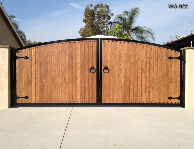 Ворота из дерева. Обшивка металлокаркаса ворот древесиной