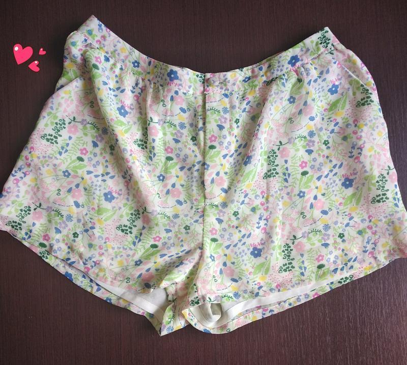 Лёгкие шортики в цветочный принт, молодежная одежда