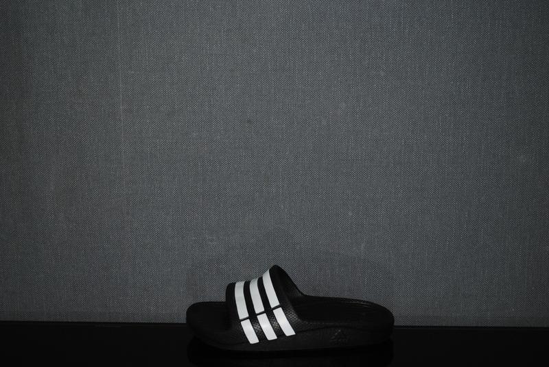 Шлепки adidas 28 р
