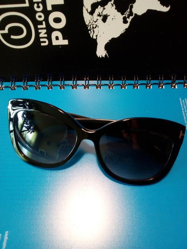 Солнцезащитные очки  тom  ford