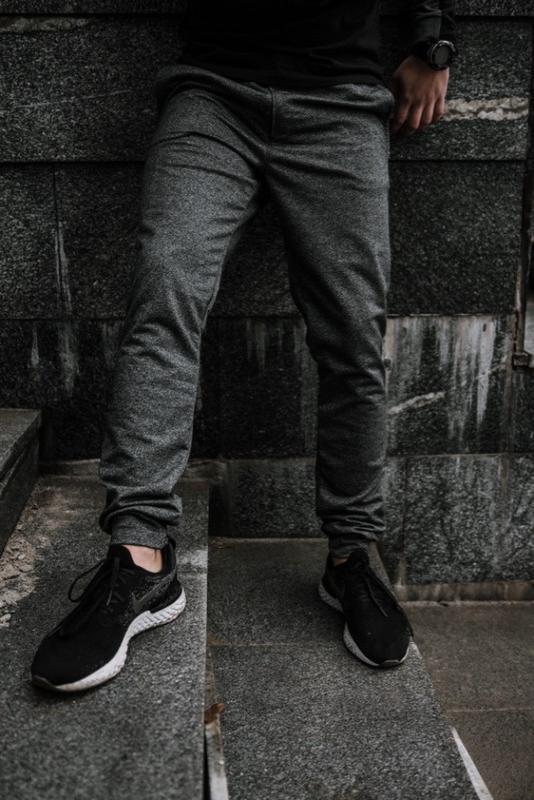 Мужские спортивные штаны серые - Фото 4