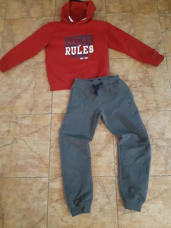 Спортивная одежда для мальчика от Mayoral -122 см.