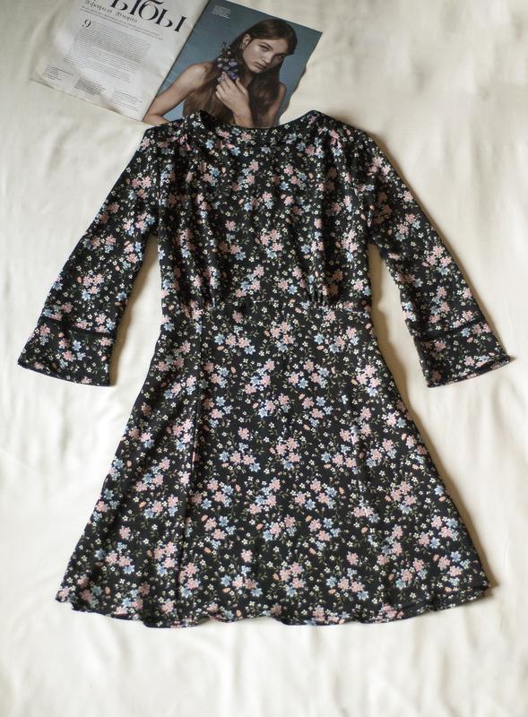 Красивенное платье с цветочным принтом divided, размер m - Фото 3