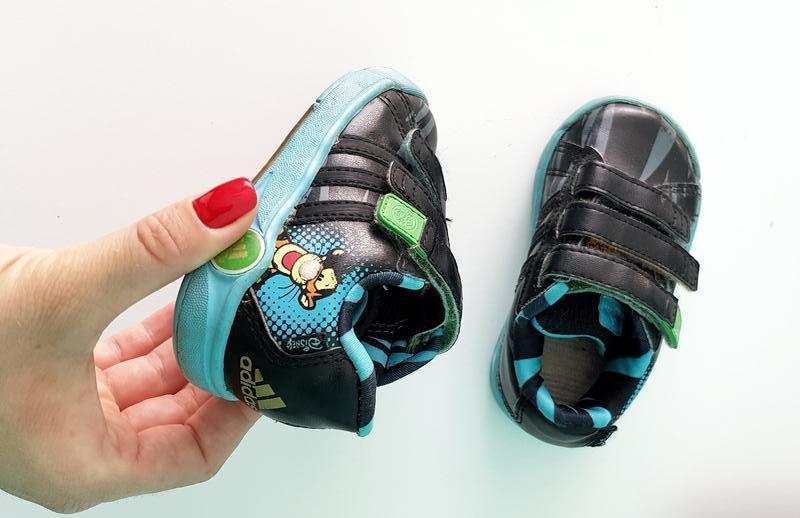 Чорні шкіряні дитячі кроссовки