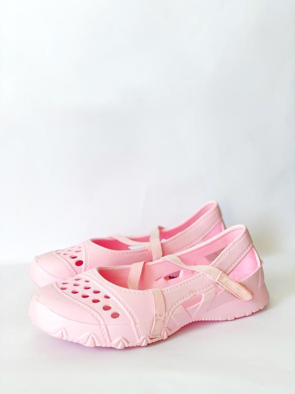 Розові босоножки champion