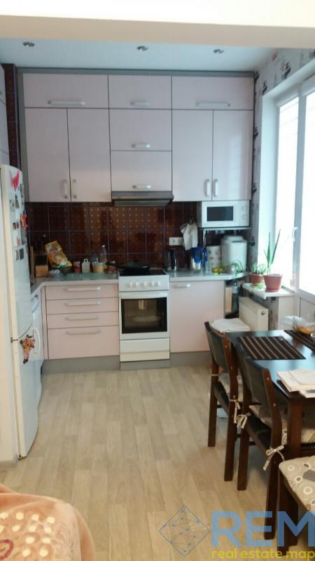 Продам 1-комнатную квартиру на Грушевского.