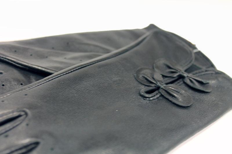 Демисезонные кожаные сенсорные перчатки)) черные.