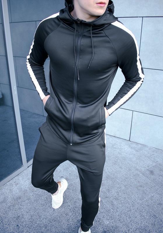Качественный мужской спортивный костюм