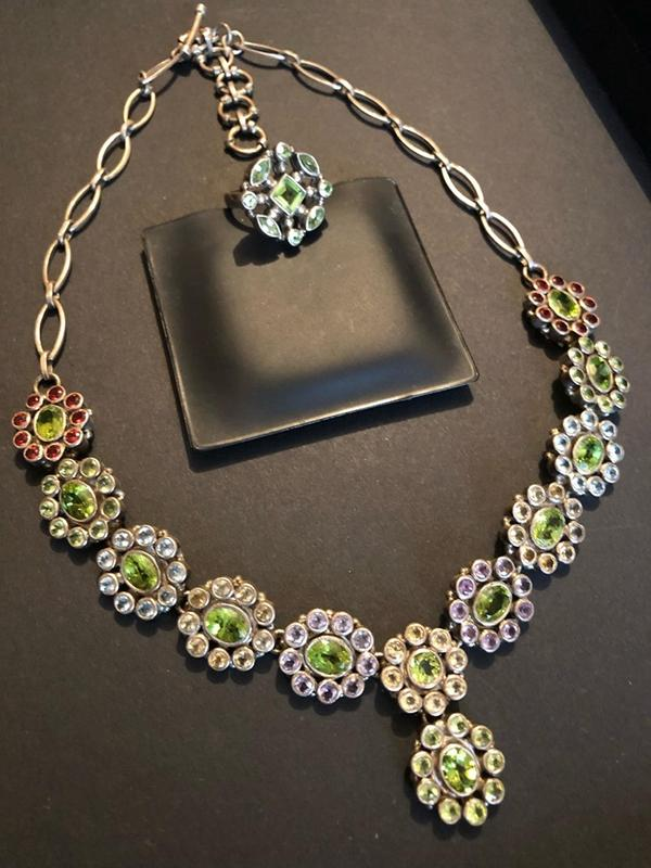 Роскошное колье и кольцо из стерлингового серебра с нат. камнями.