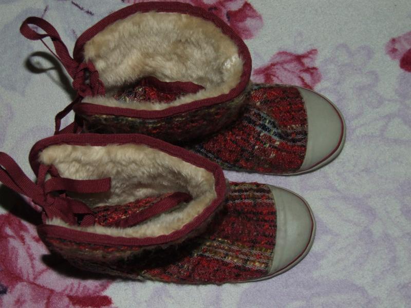 Теплые  ботинки на меху  21,5см стелька 1 размер