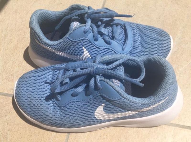 Кроссовки Nike, состояние новых стелька 19,5см