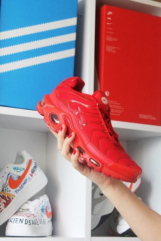 Мужские сочные ярко красные кроссовки nike air max tn red. - Фото 2