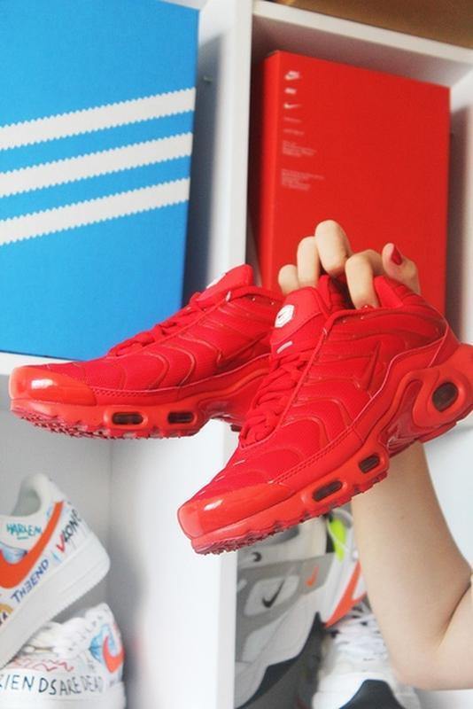 Мужские сочные ярко красные кроссовки nike air max tn red. - Фото 3