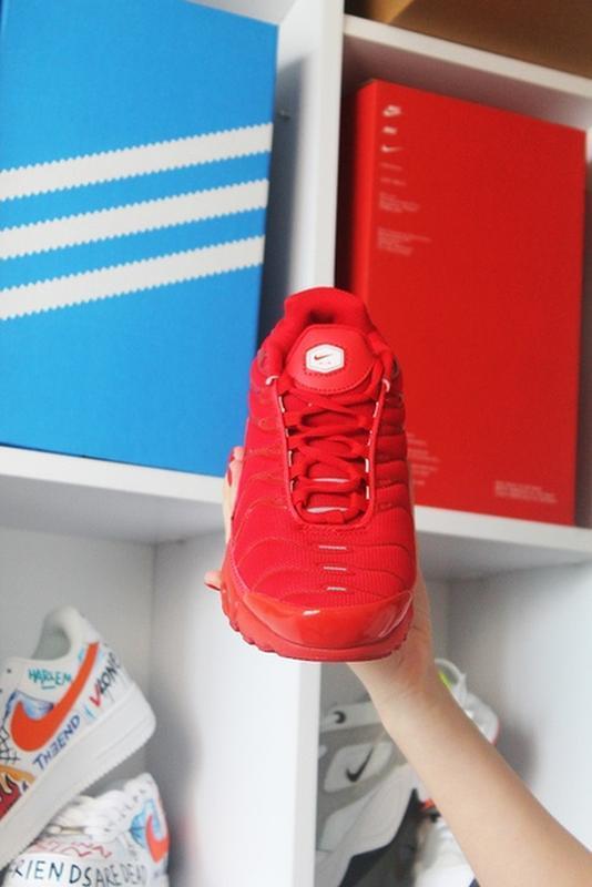 Мужские сочные ярко красные кроссовки nike air max tn red. - Фото 4