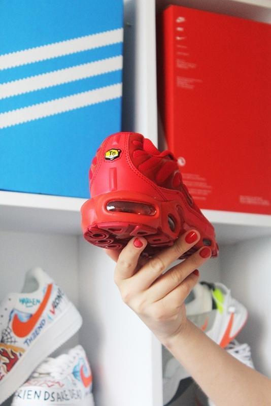 Мужские сочные ярко красные кроссовки nike air max tn red. - Фото 5