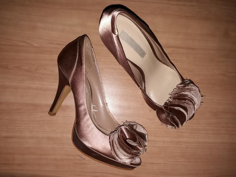 Туфлі zara шоколадні класичні золоті коричневі на високому каб...