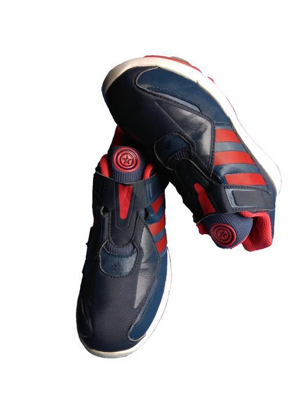 Продам детские кроссовки adidas marvel капитан америка