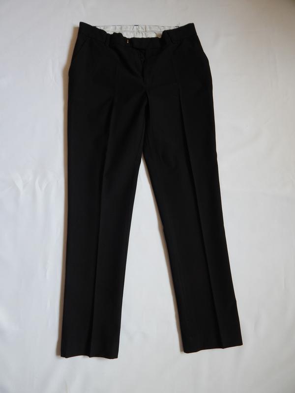 Черные брюки для школьника m&s(размер  164 рост)