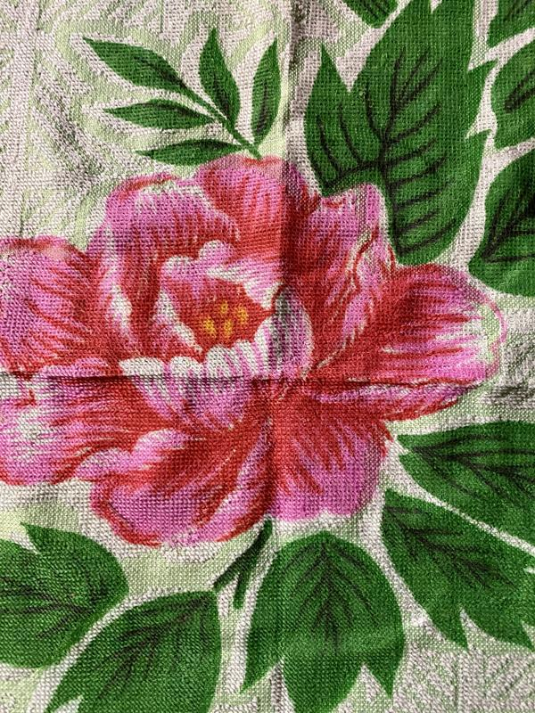 Яркое махровое легкое тонете полотенце в цветах - Фото 2