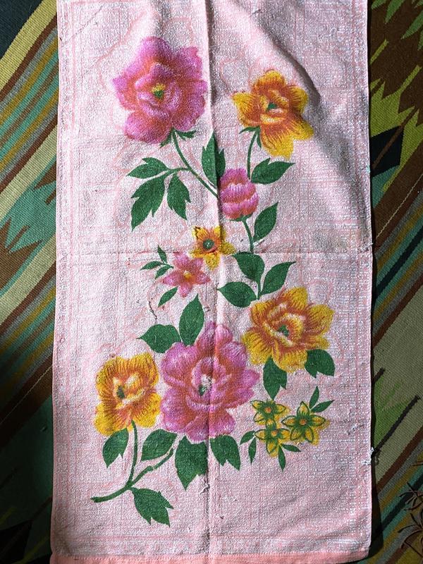 Яркое махровое легкое тонете полотенце в цветах - Фото 4