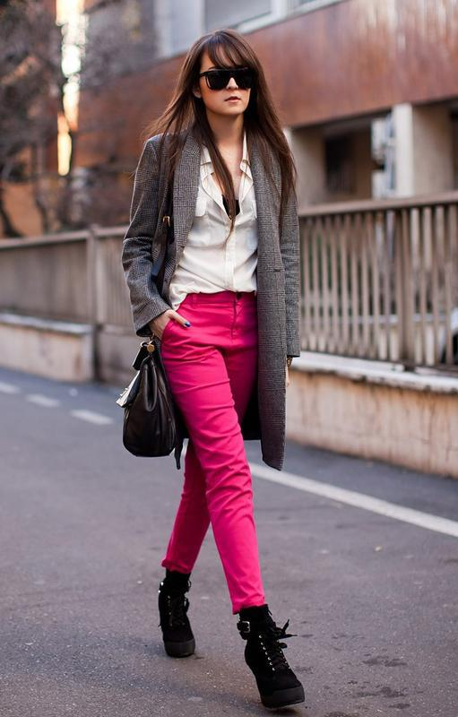 Стильные, яркие джинсы скинни,от бренда hollister