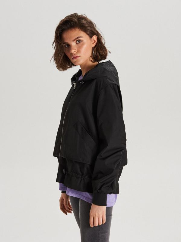 !продам новую женскую демисезонную куртку ветровку бомбер с ка...
