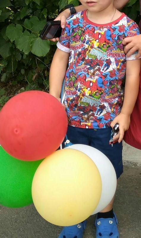 Классная футболка с супергероями на 3-4 лет