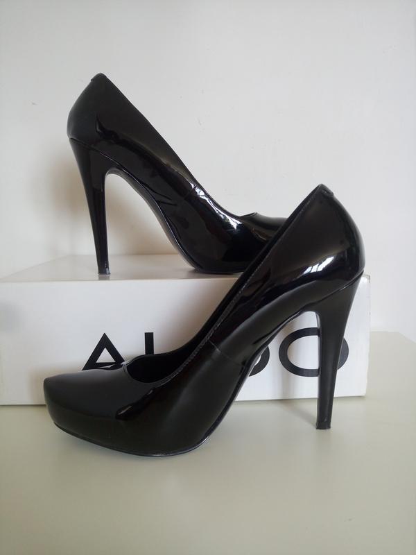 Шикарные лаковые туфли aldo
