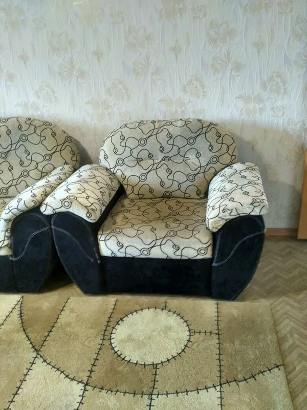 Диван и кресло б/у - Фото 2