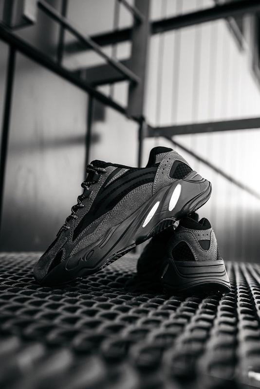 Мужские кроссовки adidas v2 - Фото 3
