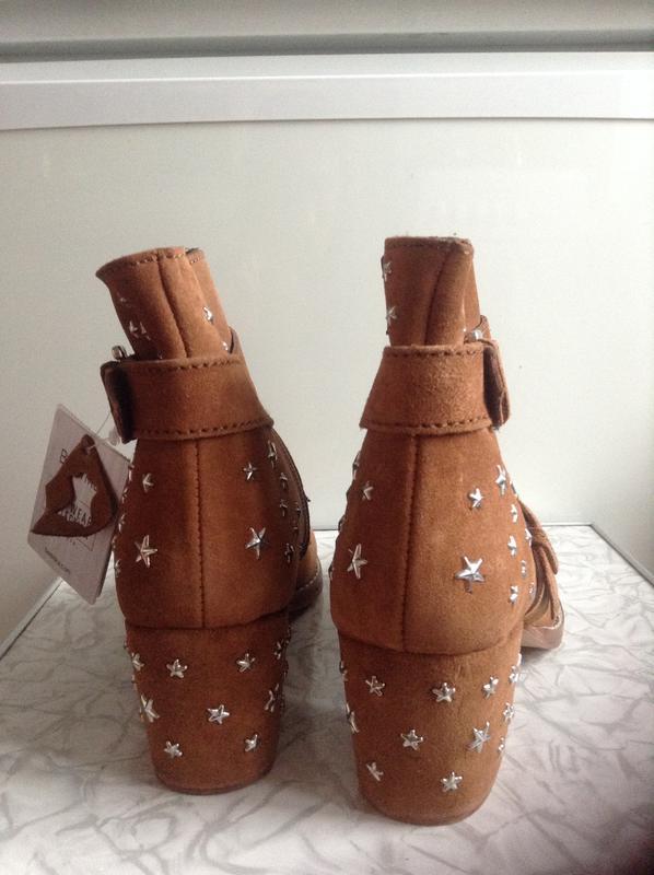 Кожаные замшевые ботинки ботильоны казаки  на широком каблуке ... - Фото 6
