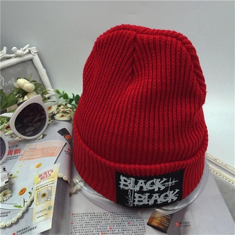 Крутая  шапка бинни с нашивкой black&black