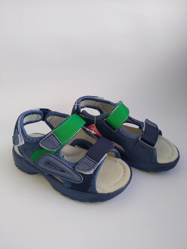 Скидки на летнюю обувь, босоножки на мальчика в наличии