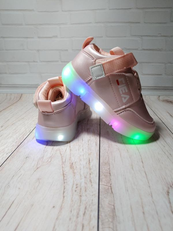 Кроссовки на девочек в стиле fila с led подсветкой