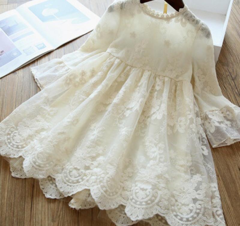 Платье кружевное нежное молочное шикарное