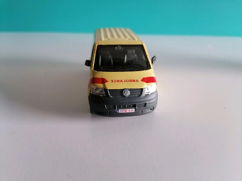 Модель 1:43 Cararama volkswagen T5
