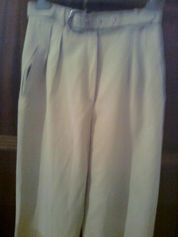 Элегантные брюки хорошего качества с карманами , пояс с металл... - Фото 3