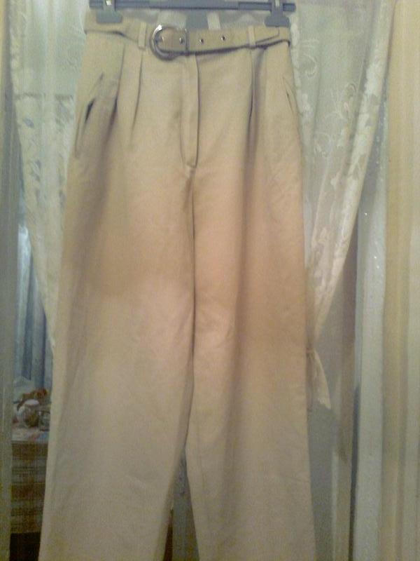 Элегантные брюки хорошего качества с карманами , пояс с металл... - Фото 5