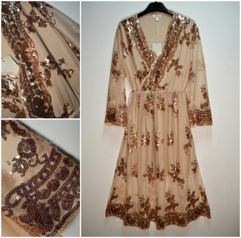 Роскошное платье в золотых пайетках