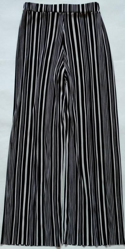 Тренд этого года, широкие брюки палаццо в стильную полоску. - Фото 3