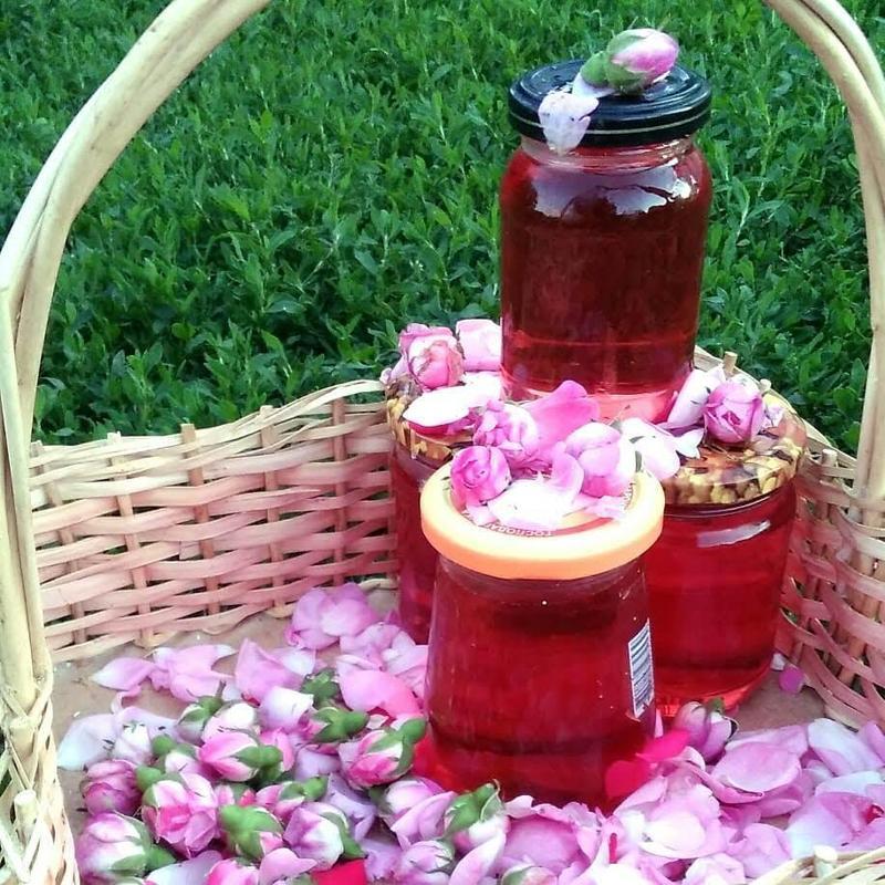Розовый сироп 0,5л. Сироп из лепестков болгарской( чайной) розы.