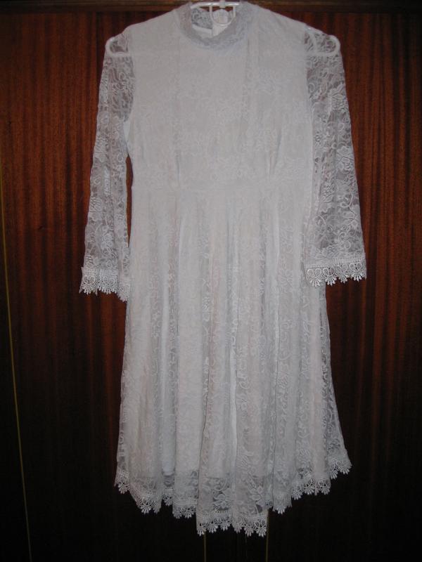 Нежное гипюровое платье торг