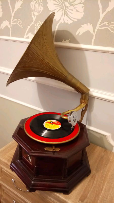 Граммофон патефон патифон антиквариат