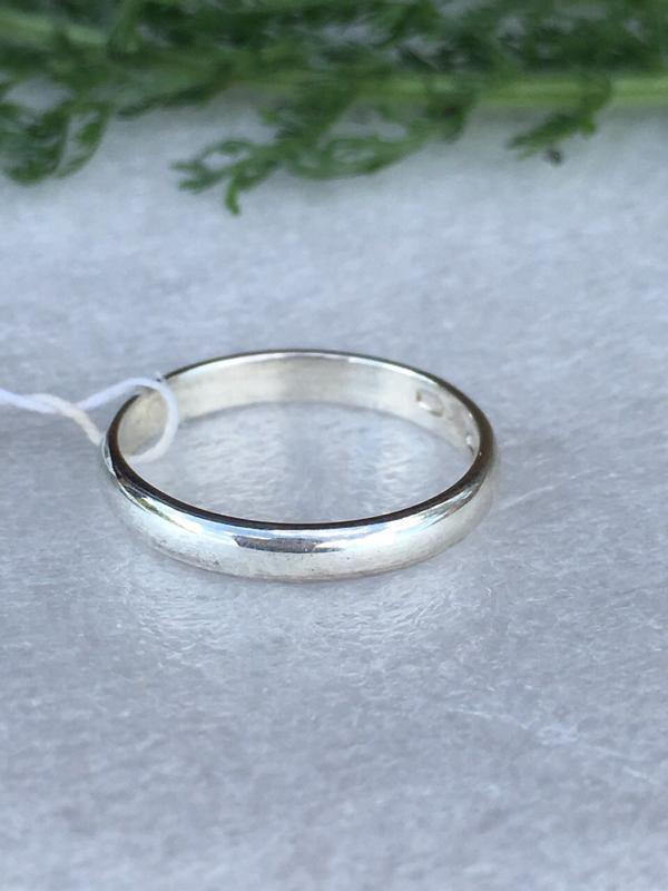 Кольцо серебро 925 пробы обручальное 1014 обручалка