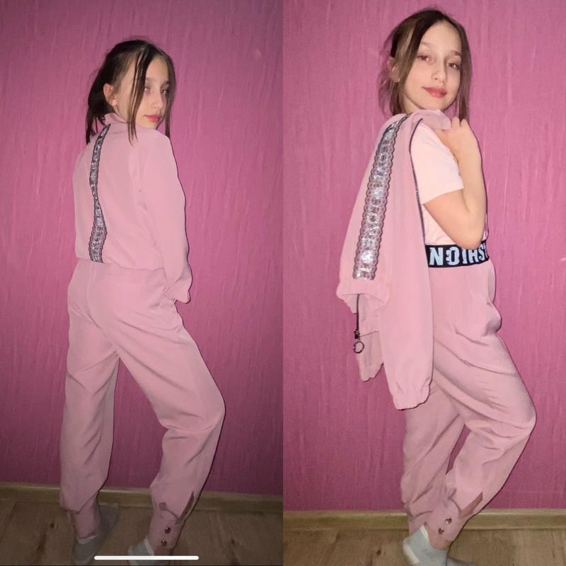 Крутой костюм для девочки, бомбер и джогеры - Фото 2