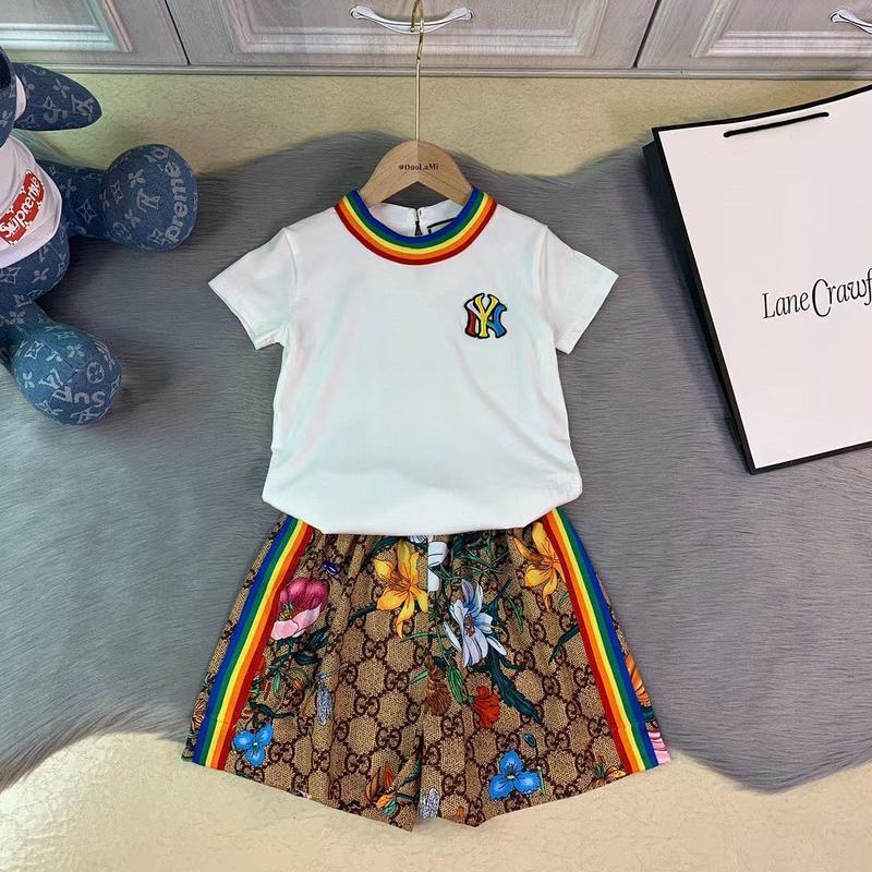 Детский брендовый костюмчик